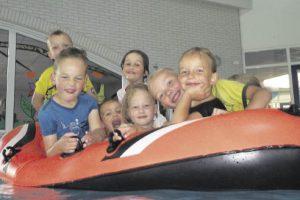 Kinderen spelenderwijs leren zwemmen: wij stimuleren dat graag!